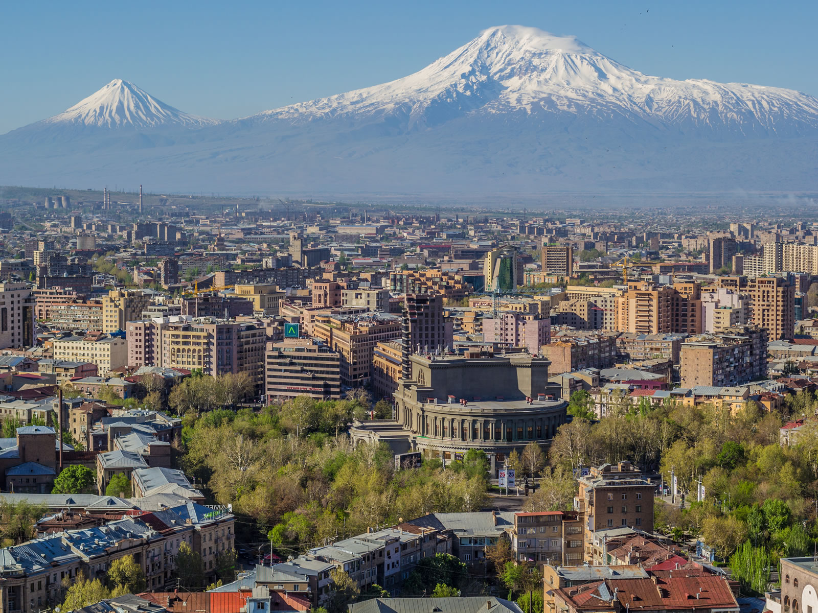 Mount_Ararat_and_the_Yerevan_skyline