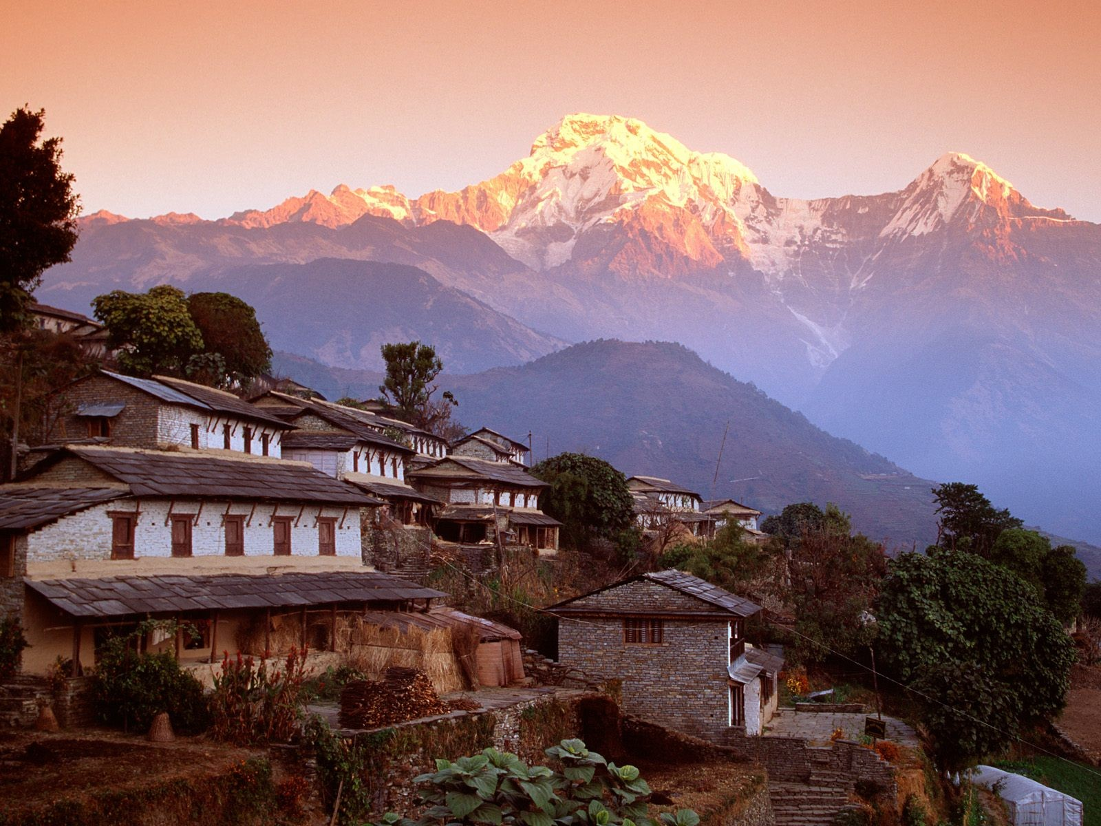 mountains_nepal_himalaya_desktop_1600x1200_hd-wallpaper-1192706